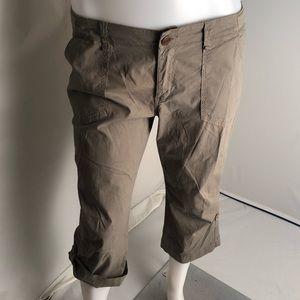 Sanctuary tan/olive roll up cargo Capri pants 31